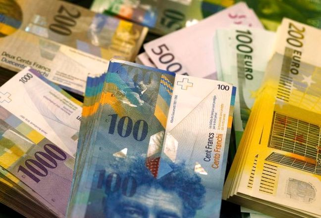 Euro/Swiss franc at two-month lows as Italy concerns weigh