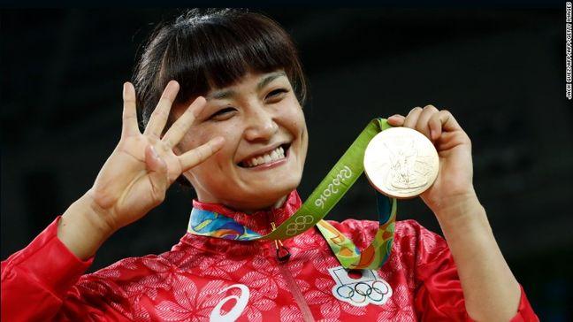 World wrestling legend says she loves Iranian wrestling