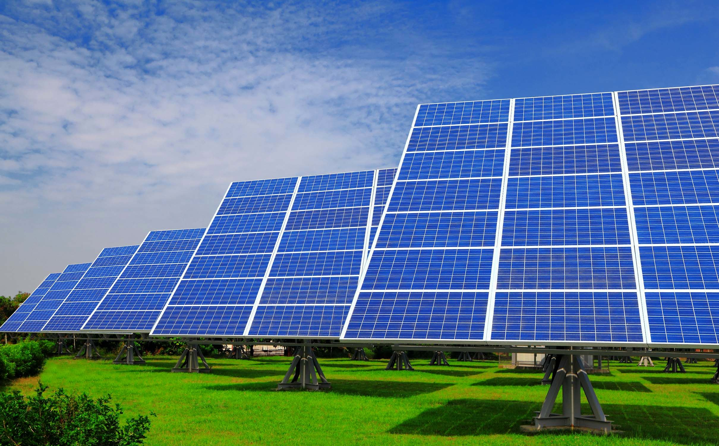 solar panels When choosing among rooftop solar panels, there are a number of factors to consider first, you'll want to weigh the cost of purchase and installation against the potential energy savings.