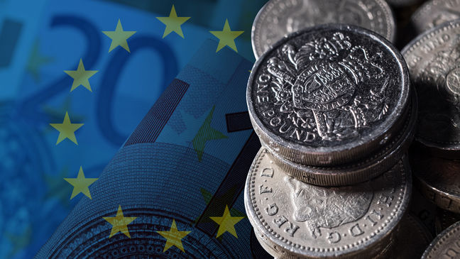 Stocks Rally Stalls; Euro Falls on French Politics