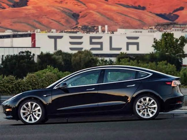 Musk's Electric-Car Vision Doubted by Major Parts Suppliers