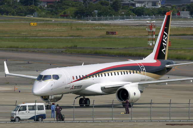 Japan, new rival for Boeing, Airbus on selling plane to Iran