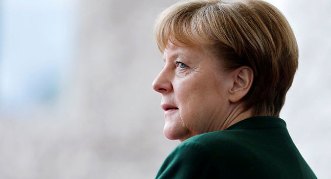 Merkel Tested on Refugees, Diesel as Opponent Steps Up Campaign