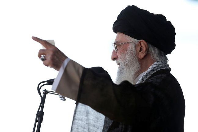 Supreme Leader warns of any wrong move concerning JCPOA