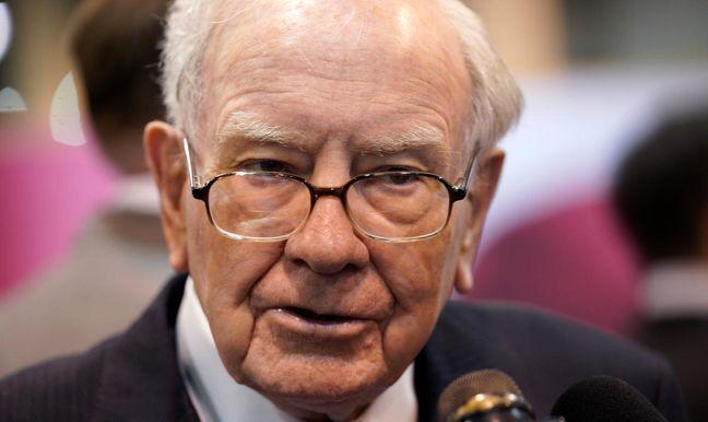 Buffett craves more Apple shares, endorses its buybacks