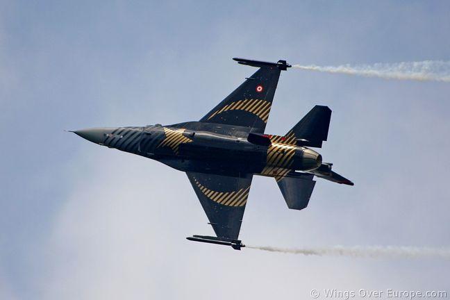 Turkish air strikes hit 12 targets in north Iraq: military