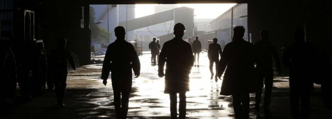 Iranian Job Market Analysis: How Long Employees Stay in Their Jobs?