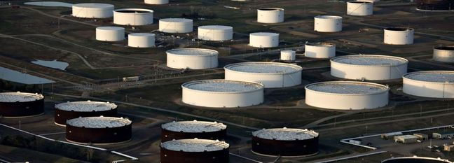 Oil Heading for Weekly Drop as Virus Demand Concerns Mount