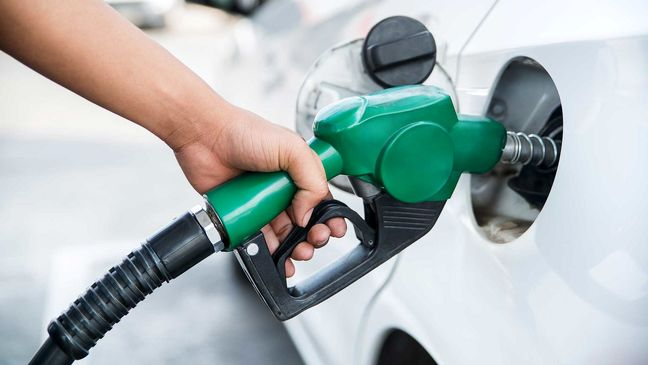Iranian MPs Differ Over Raising Fuel Prices