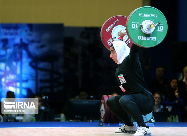 National Weightlifting Federation congratulates Elham Hosseini on int'l medal