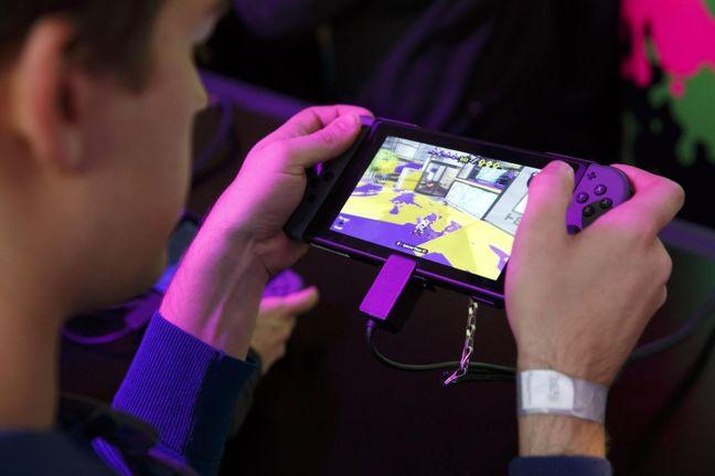 Nintendo Takes Big Gamble With Switch's Split Personality