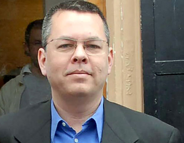 Turkish court keeps U.S. pastor in jail, Washington says deeply concerned