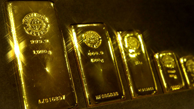 Gold Makes Run Toward $1,300 as Risk Flares From U.K. to Mideast
