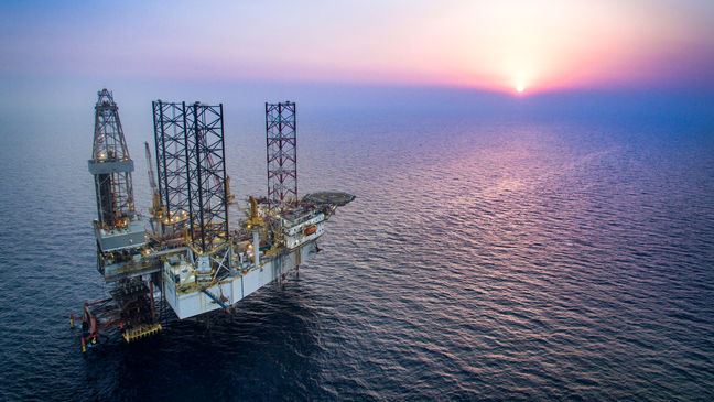 Gov't Encouraged to Sign Contracts With Oil Majors