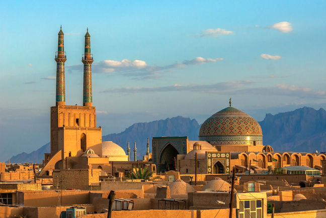 More Tourists Visit Iran From Oman Than Europe