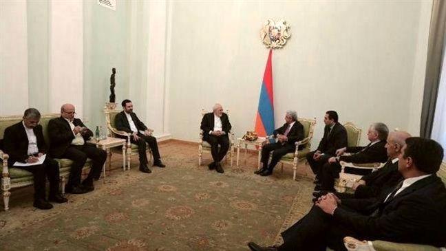 Enhanced ties with neighbors Iran's priority: Zarif