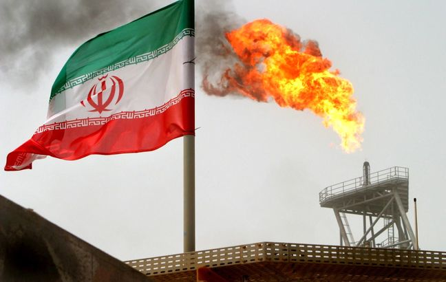 Top Oil Market Embraces Iran Once Again as Asia Imports Jump