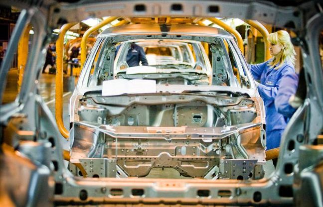 Russian automobile manufacturer to enter Iran market