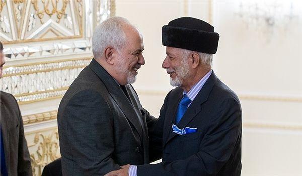 Zarif Holds Extensive Talks in Oman