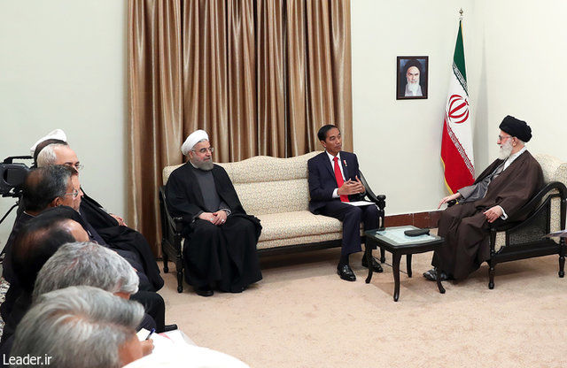 Islamic countries must strengthen one another: Iran Leader