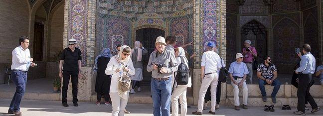 Iran's H1 Tourist Arrivals, Departures Increase