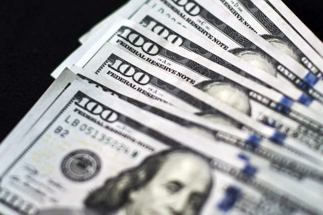 Dollar Halts Fed-Driven Rally as Asian Stocks Rise With Gold