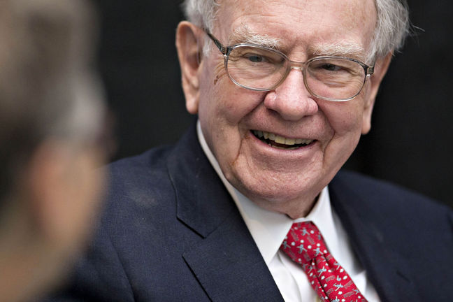 Buffett Says Immigrants Help 'Miraculous' Story of America