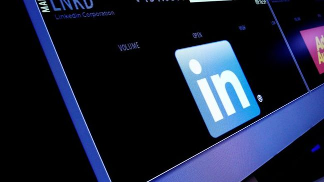 Russia starts blocking LinkedIn website after court ruling
