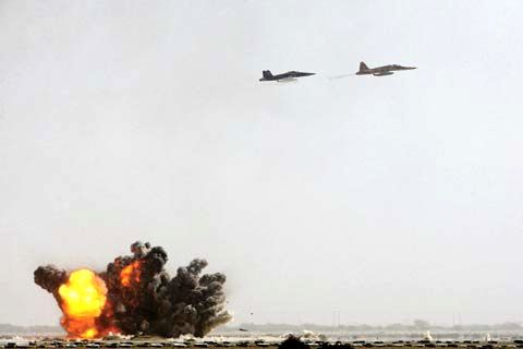 Iranian Army launches air defense drill in south of country