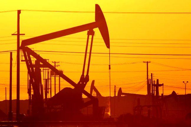 OPEC, Allies Meet as Oil Market Warns Them: Job's Not Done