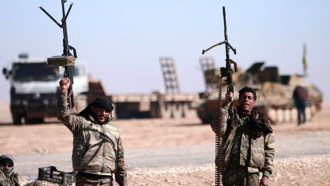 Syrian army takes more oil fields from Islamic State in Raqqa and eastern desert