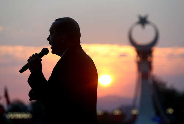 Erdogan Bashes Germany, NATO as Turkey Goes for Russian Missiles