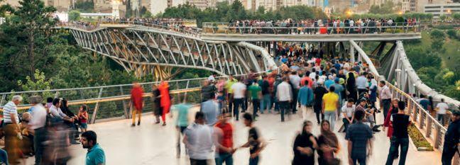 Iran's Q3 Unemployment Declines to 10.6%