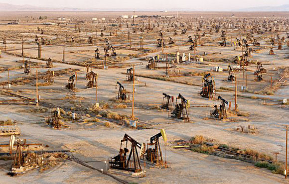 Chinese firms face competition to maintain role in developing Iranian oilfields