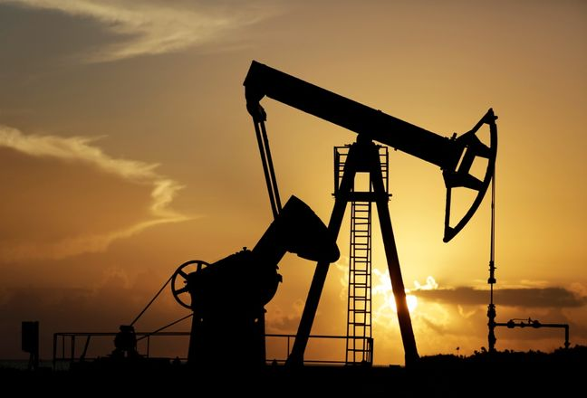 Oil prices set for weekly drop on doubts OPEC can coordinate output cut