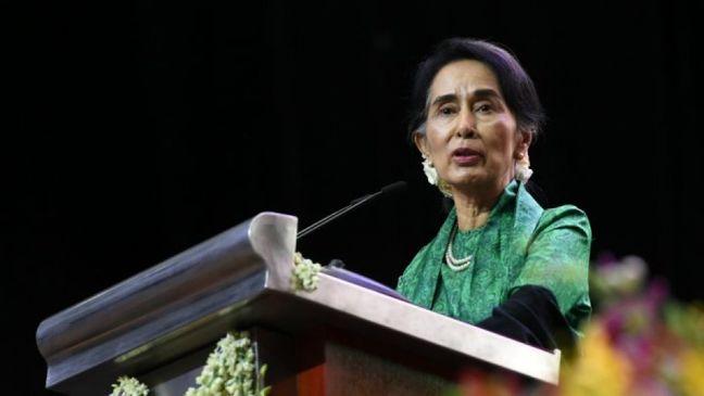 Suu Kyi Says Myanmar Ready to Welcome Back Rohingya Refugees