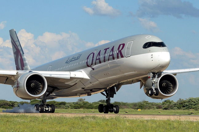 Qatar Airways to Continue to Fly to Iran
