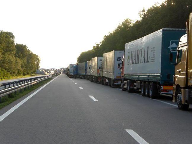 Iran: Turkmen transit tariff rise contravenes Int'l Conventions