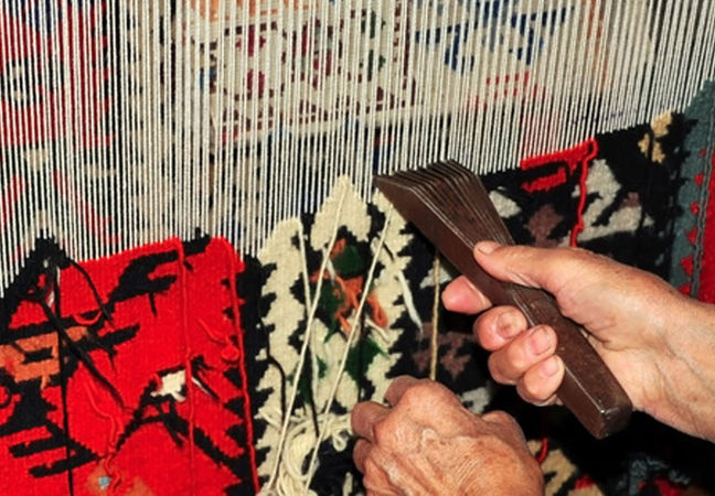 Iran H1 Hand-Woven Carpet Exports Up 13%