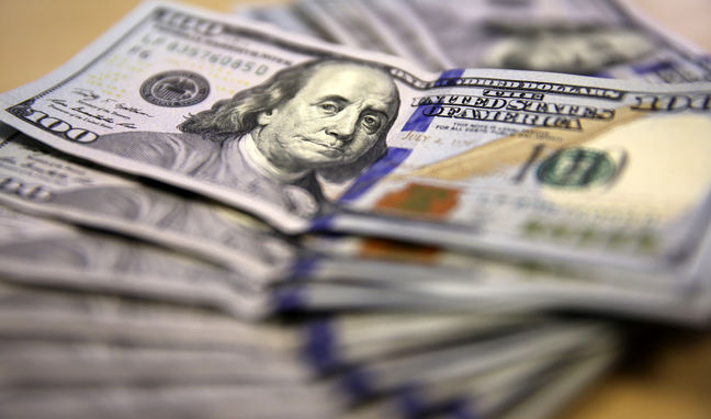 U.S. dollar likely to drift higher in the year ahead: Reuters poll