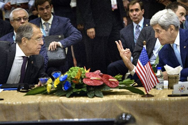 Kerry defends diplomacy as Russian-backed forces pound Aleppo