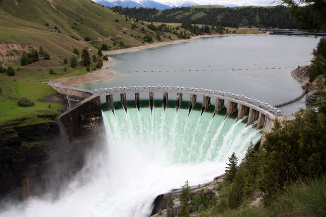 Iranian Gov't Wants Diminished Role in Water, Power Projects