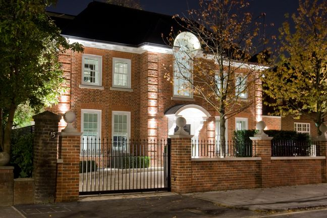 Luxury London Home Values to Fall Most Since 2008 on Brexit