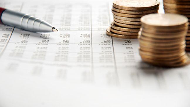 Gov't Spending Tops Revenues