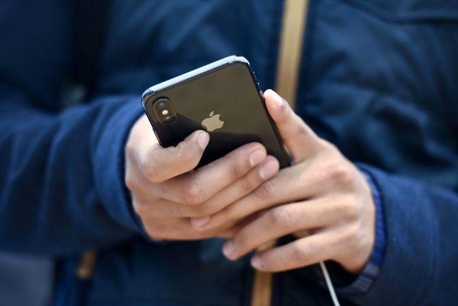 Apple Forecast Falls Short After iPhone Sales Miss Estimates