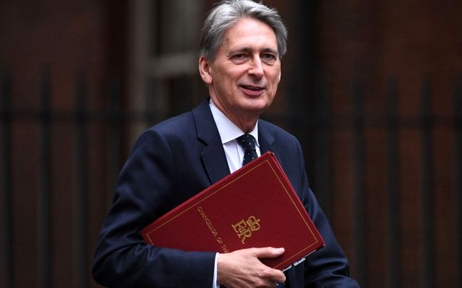Hammond to Urge CEOs to Invest in Making Brexit Work