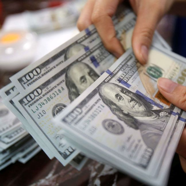 Dollar starts the week with Fed-inspired gains