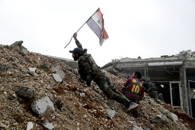 Syrian army, allies race to relieve Deir al-Zor